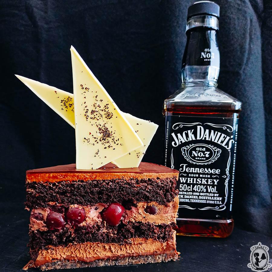 Jack Daniels višnjeva z makovim biskvitom